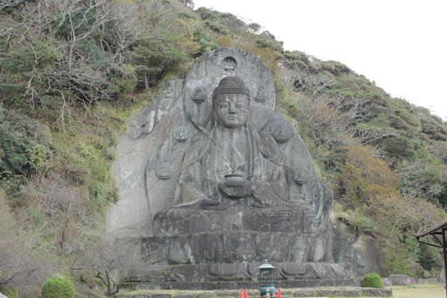 鋸山の大仏像