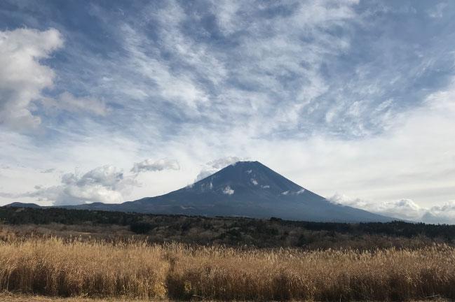 2020年12月の西側からの富士山